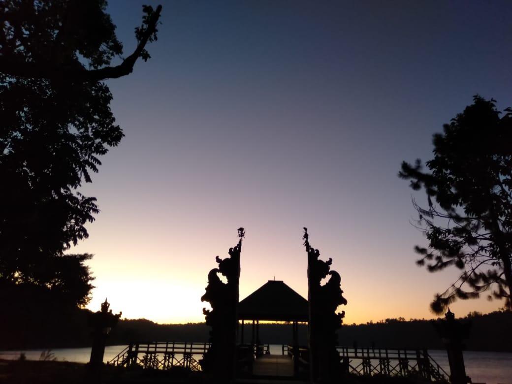 Danau Buyan, Pesona Alam Raya Berkemah