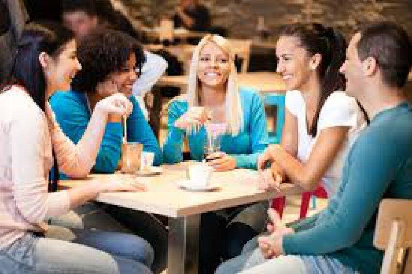 Punya Rencana Kumpul Bareng Kawan yang Sudah Jarang Kumpul? Jangan Main Gadget Gan!