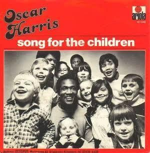 Lagu yang Dinyanyikan Orang Dewasa ini Ternyata Enak Buat Anak-Anak