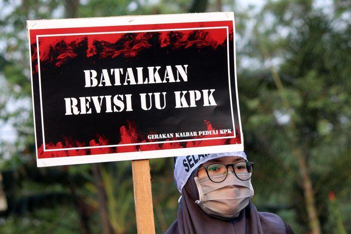 Demo mahasiswa saat pelantikan Jokowi ditentang banyak pihak