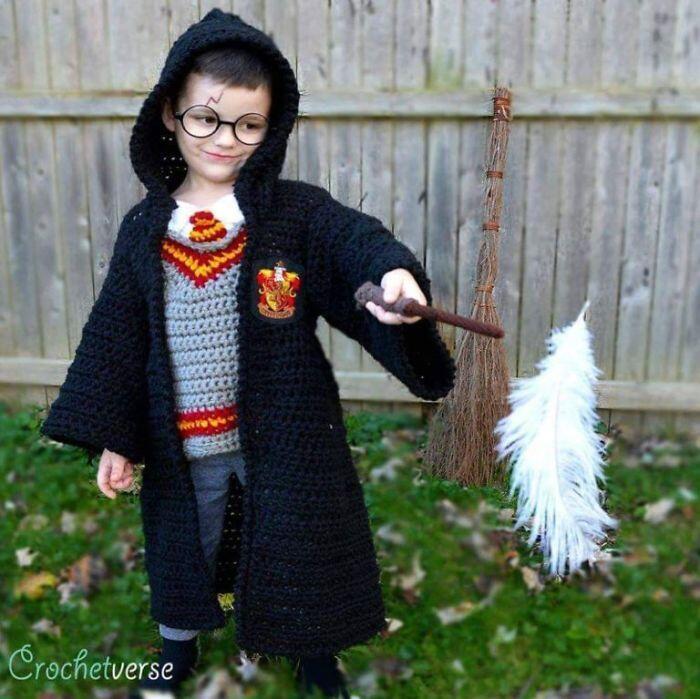 Salut, Dedikasi Orangtua Membuat Kostum Halloween Anaknya