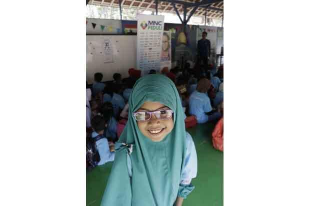 MNC Peduli Gelar Pemeriksaan dan Pembagian Kaca Mata Gratis di Bekasi