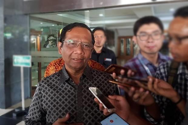 Wiranto Ditusuk, Mahfud MD: Kena Usus, Lalu Dipotong Terus Disambung
