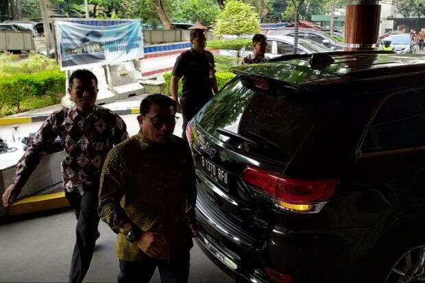 Bersamaan, Moeldoko dan Budi Karya Jenguk Wiranto di RSPAD