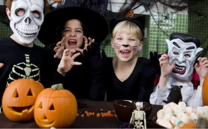 Rayakan Hallowen dengan Berbagi Kebahagiaan