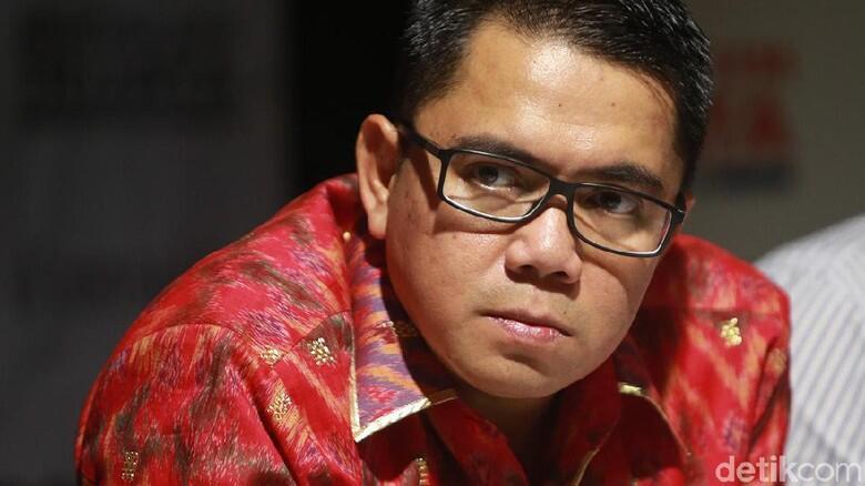 Enggan Minta Maaf usai Tunjuk-tunjuk Emil Salim, Arteria: Kebalik Dong