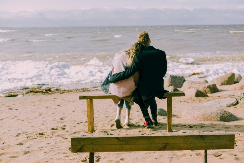 UNGKAPKAN! Memendam Cinta Hanya Akan Membuatmu Menyesal!