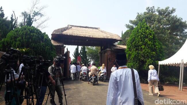 Sandiaga hingga Rocky Gerung Hadiri Rapimnas Gerindra di Hambalang