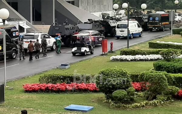 Suasana Terkini Jelang Pelantikan Jokowi, Di Mana-Mana Ada Polri dan TNI