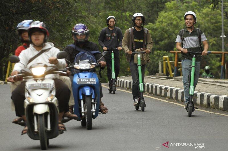 Skuter Listrik Sedang Menjamur Di Jakarta