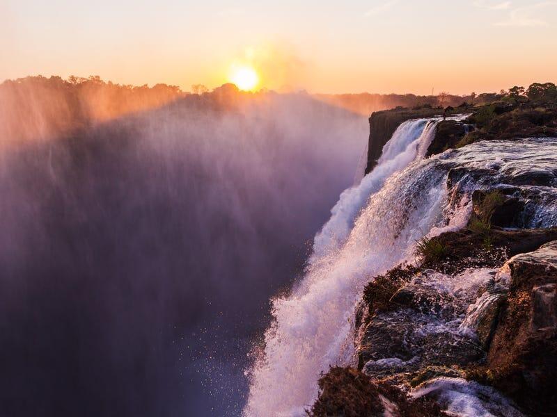 6 Tempat di Dunia yang Harus Kamu Kunjungi Sebelum Terlalu Populer