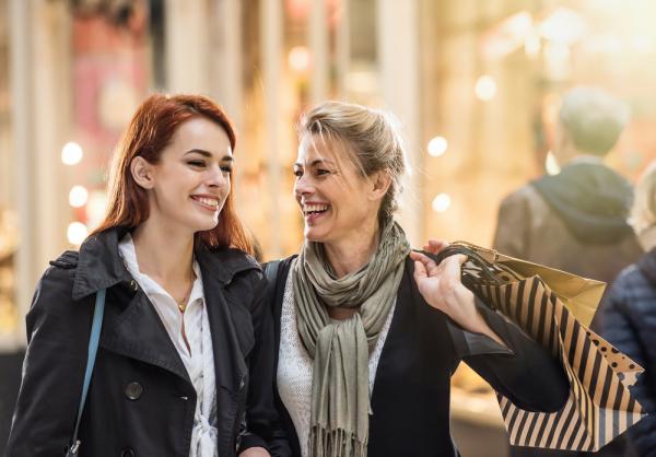 5 Tips Jitu Agar Kamu Disukai Keluarga Pasangan pada Pertemuan Pertama