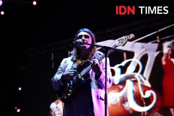 10 Keseruan Penampilan Band Indie FUR di Panggung Hari Kedua GUDFEST