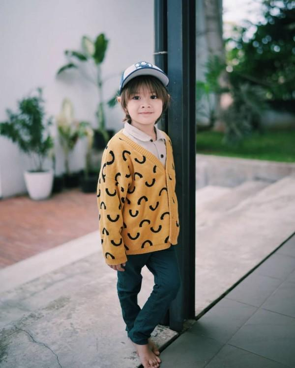 10 Style Keren Bjorka, Anak Ringgo-Sabai yang Modis Sejak Kecil