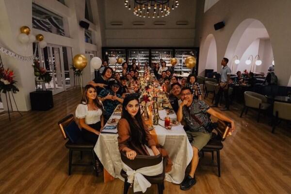 Dapat Birthday Surprise, 9 Potret kebahagiaan Ashanty di Usia 35 Tahun