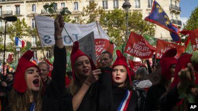 Kelompok Konservatif Perancis Protes RUU Perawatan Kesuburan Bagi Lajang & Lesbian