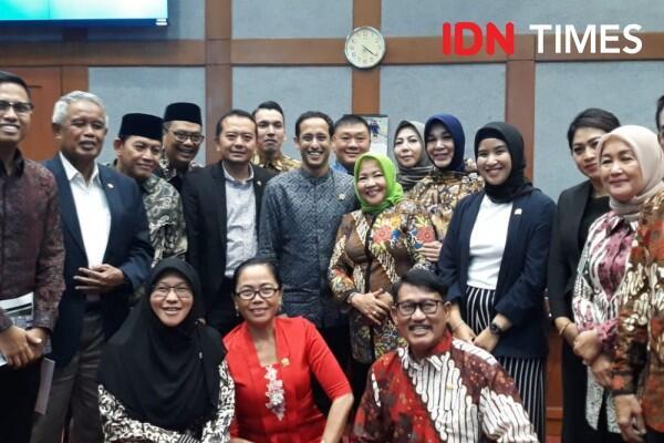 Rapat Perdana dengan Komisi X DPR, Nadiem Minta Maaf Masih Kaku