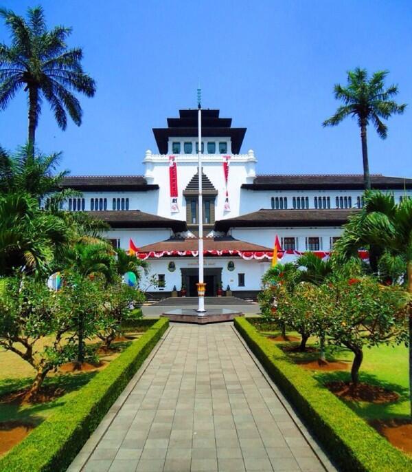 5 Tempat di Pusat Kota Bandung yang Wajib Kamu Datangi saat Berlibur