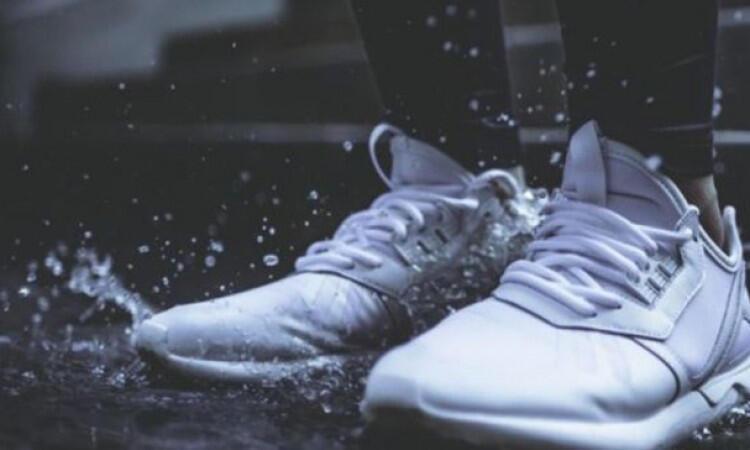 Vacum Cleaner Hingga Magic Com, Semua Bisa Keringkan Sepatu Basahmu Dalam Semalam!