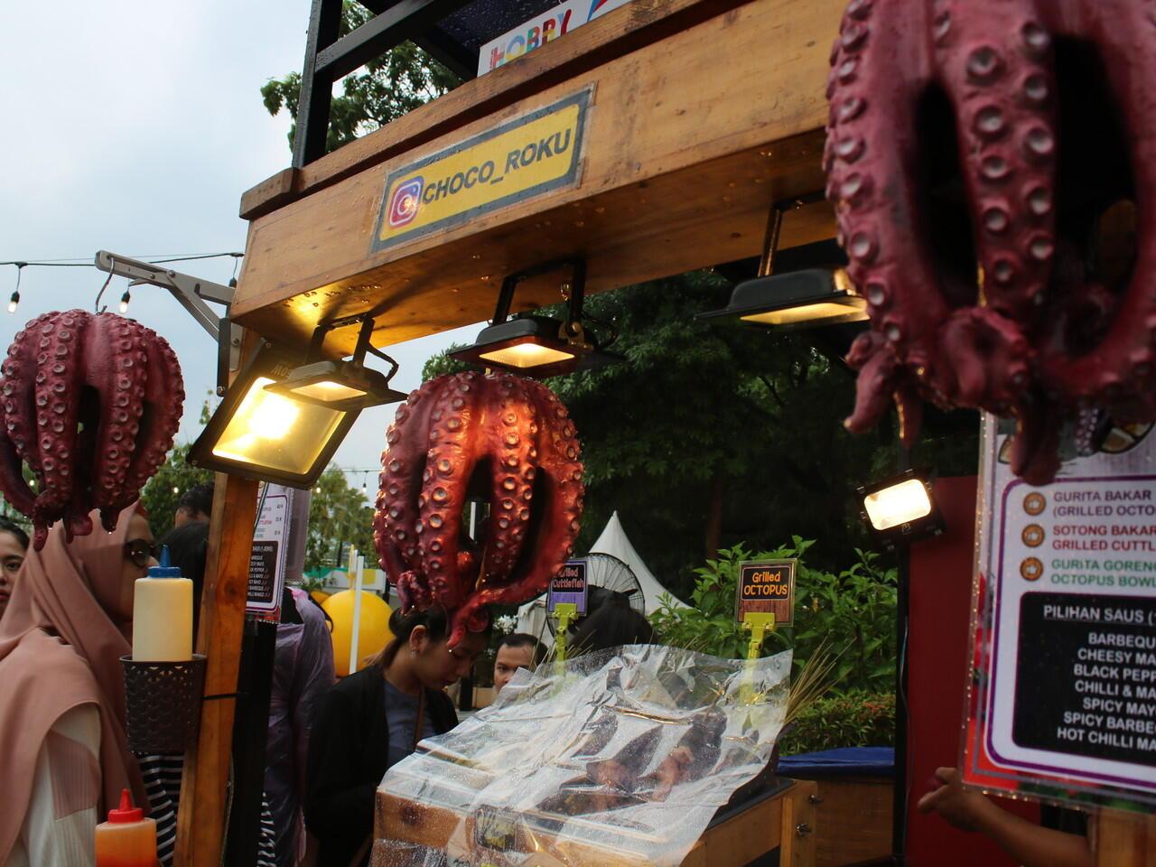 Jajan Asyik Pelipur Dahaga di Event Hobby Ground