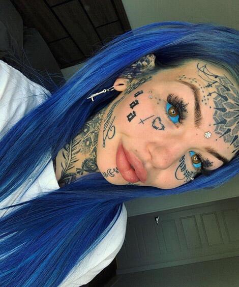 Demi Mendapat Sebutan 'Blue Eyed White Dragon', Wanita Ini Mentato Matanya