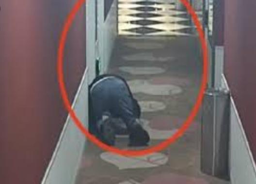 Pria di China Merangkak demi Dengar Suara Pasangan Sedang Bercinta di Hotel