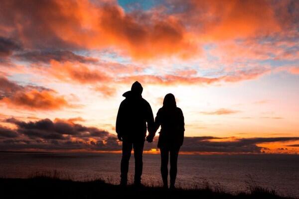 Bukan Naksir Biasa, Ini 5 Tanda Kamu Benar-benar Sedang Jatuh Cinta