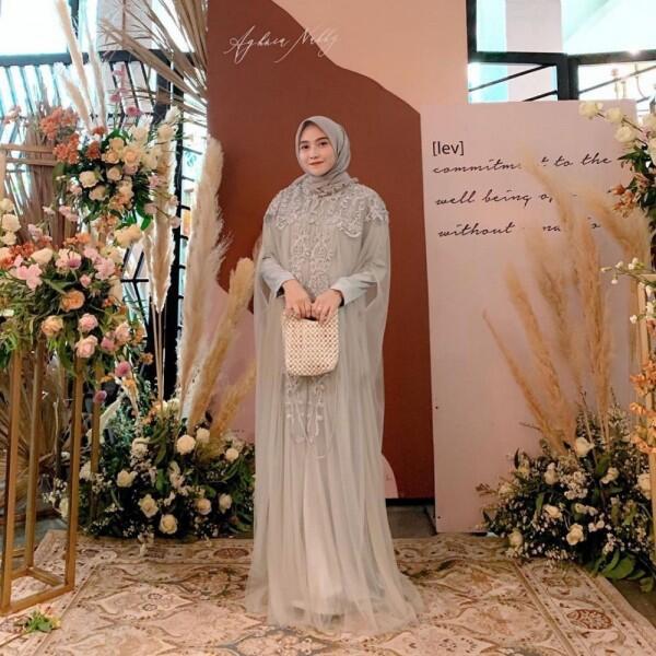 Inspirasi Gaun Pesta dengan Hijab Nisa Cookie, Bertema Pastel Kekinian