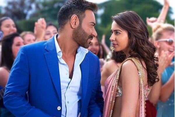 10 Potret Rakul Singh, Kekasih Ajay Devgan di Film De Pyaar De