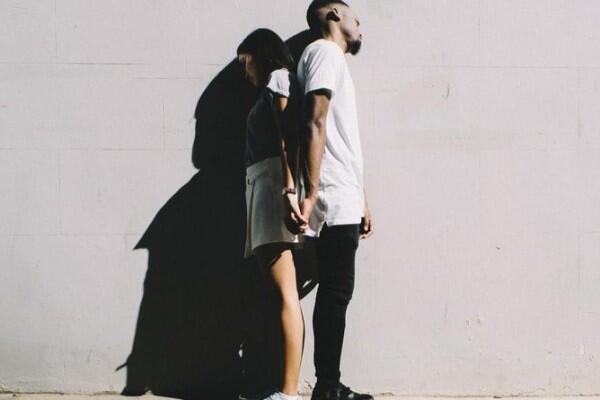 Meski Sudah Jadian Lama, 5 Hal Ini Pantang Kamu Berikan Demi Cinta