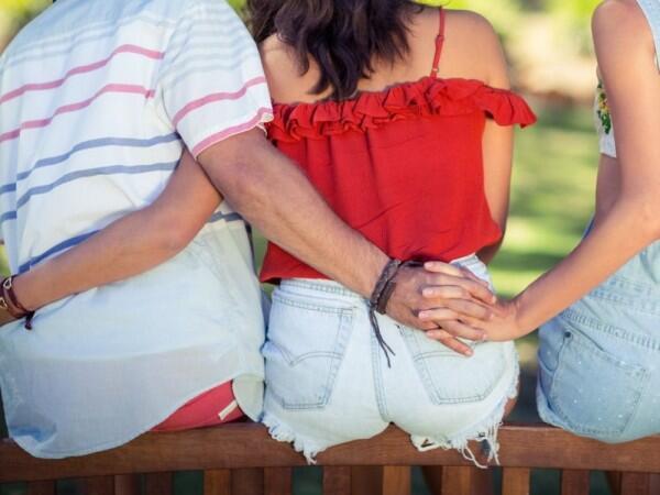 7 Penjelasan Ilmiah tentang Selingkuh, Kenapa Orang Bisa Melakukannya