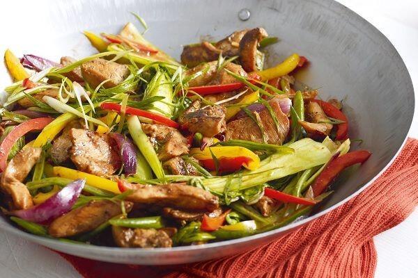 5 Tips Cerdas Memasak Tumis Ayam agar Sajian Lebih Sedap!