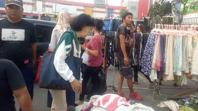 Kuasai Badan Jalan, Pemkot Jakpus Akui Kesulitan Gusur PKL Pasar Senen