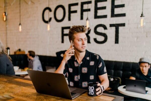 Jarang Disadari, Ini 5 Indikasi Nyata Kamu Bekerja Terlalu Keras