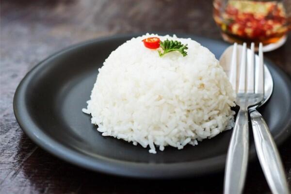 5 Kerugian Mengonsumsi Nasi Putih, Makanan Pokok Kita Sehari-hari