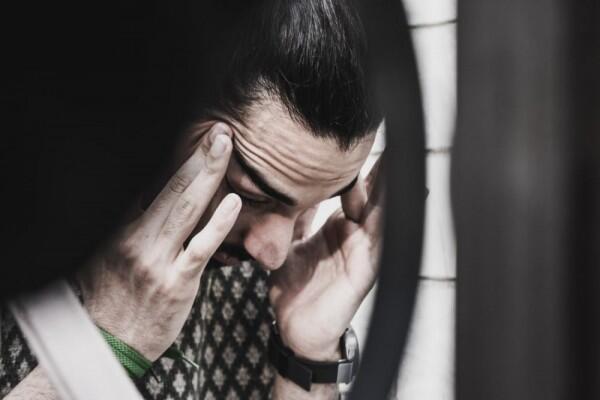 5 Alasan Kamu Gak Perlu Terus Menerus Pura-pura Bahagia