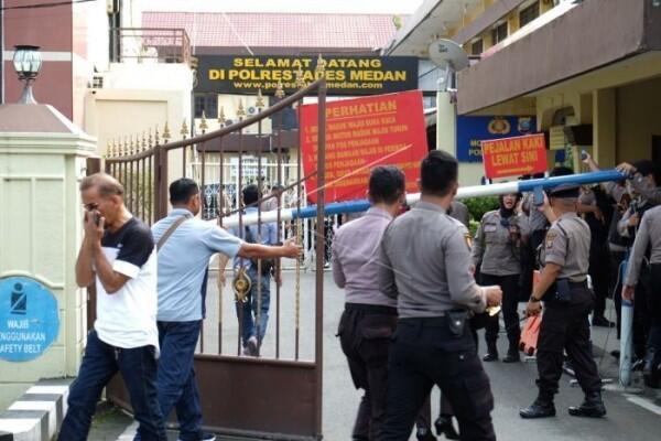 Bom Bunuh Diri di Polrestabes Medan, Pelaku Salah Sasaran?