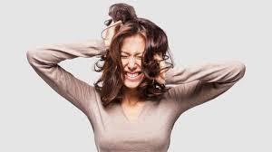 Mengapa Cewek Gampang Marah Menjelang Menstruasi?