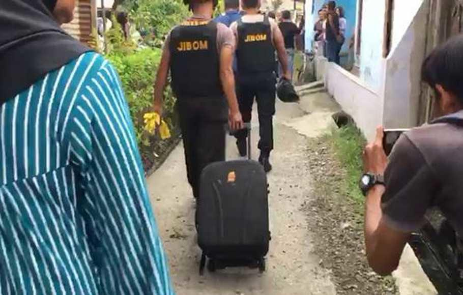 Lebih Radikal, Istri Bomber Medan Berencana Bom Bali