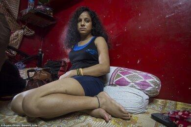 Potret Miris Kehidupan PSK Lokalisasi Terbesar di Asia! Benarkah Mereka Terpaksa?