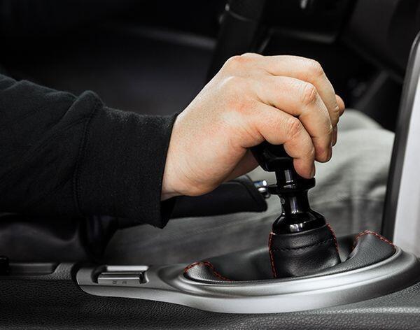 Catat, Ini 5 Cara Menjaga Agar Sistem Persneling Mobil Tetap Awet