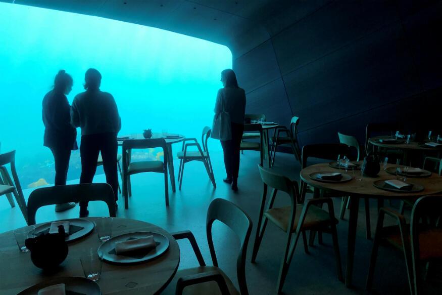 Anjay! Restoran Bawah Laut Ini Menampilkan Keganasan Dari Lautan Dingin.