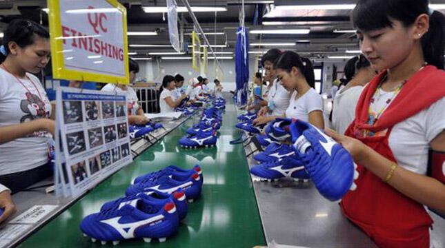 Pabrik Sepatu di Banten Hengkang, Setuju Gak Itu Cuma Akal-akalan Pengusaha?