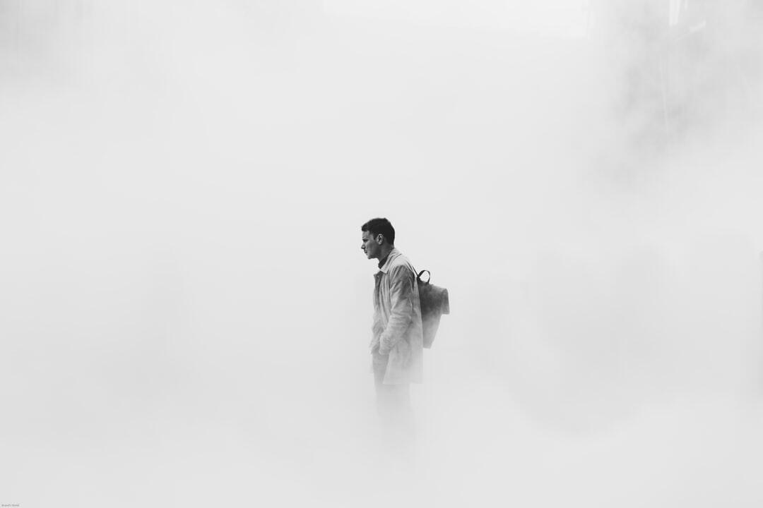 9 Cara Berlaku Baik Pada Diri Sendiri Agar Kau Berhenti Kecewa dan Merasa Tak Berguna