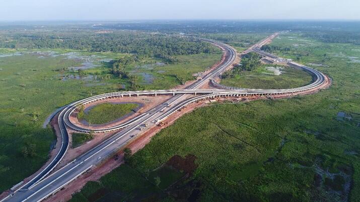 Jokowi Mau Bangun 2.500 Km Tol Baru, Dari Mana Duitnya?