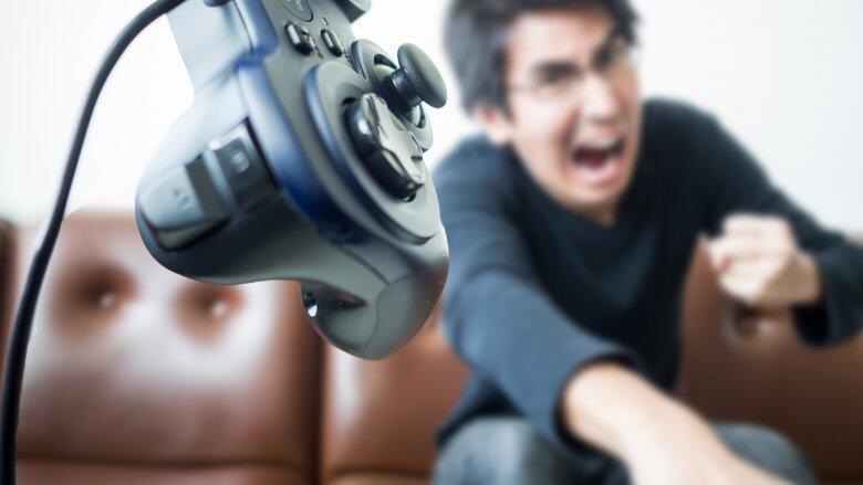 DOTA 2 Game Addictive Penuh Emosional