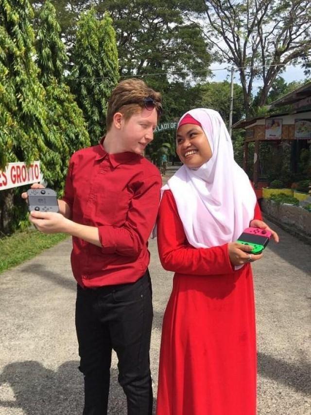 Berkat Game Online, Kisah Cinta 3 Pasangan Ini Berakhir di Pelaminan