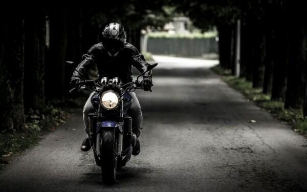 Lampu di Sepeda Motor Kamu Jadi Redup? Coba Periksa 5 Bagian Ini