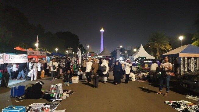 Anies Tiba di Monas, Massa Reuni 212: Kita Sambut Gubernur Indonesia