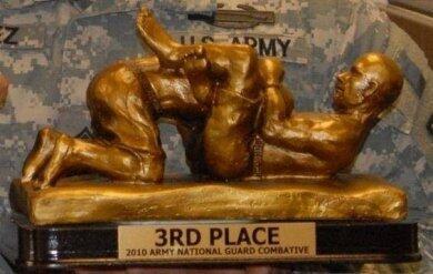 Jenis-jenis Penghargaan Teraneh di Dunia! Kok Ada Penis Terkecil dan Cewek Tersange?